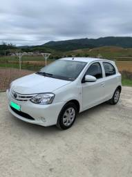 Toyota Etios X 2015 Única dona