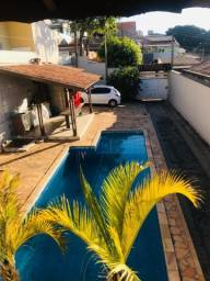 Casa em Valinhos com piscina