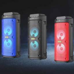Caixa de Som Torre Kimiso 1000W Com Bluetooth, Rádio FM, USB e Microfone
