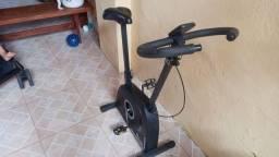 Título do anúncio: Bicicleta ergométrica em bom estado