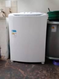 Vendo esta máquina de lavar novinha