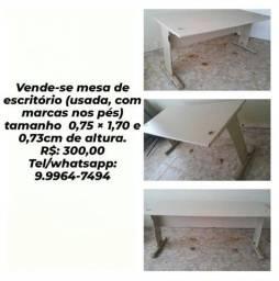 Título do anúncio: Vende-se mesa de escritório sem gaveta R$: 200,00