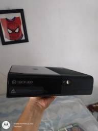 Vendo Xbox 360 HD 250gb