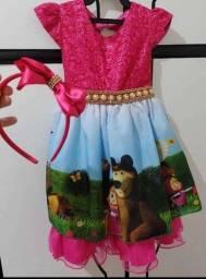 Vestido luxo+tiara+saiote de armação