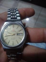Relógio Orient automático.
