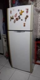 Título do anúncio: Refrigerador GE 410L
