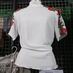 Título do anúncio: Blusa crepe M