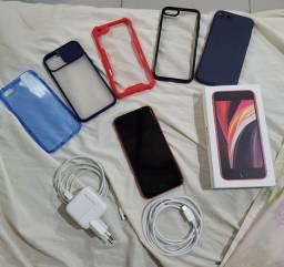 Título do anúncio: iPhone SE 2020 Red 64 gigas muito novo !!
