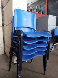 Título do anúncio: Cadeira azul - nova