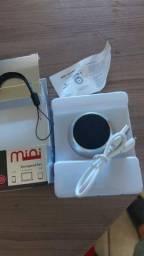 Caixinha de som Bluetooth que atende ligações