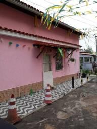 Casa em Pernambués, quarto e sala