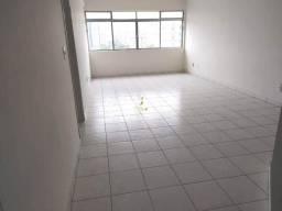 Locação Apartamento de 2 Dormitórios com Dependência na Aparecida em Santos