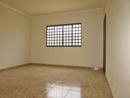 Apartamento para alugar com 3 dormitórios em Halim souki, Divinopolis cod:2118