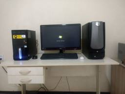 Computador, monitor, estabilizador, cadeira