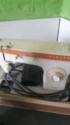 Maquina de costura 110v, funcionando perfeitamente, troco por uma 220v