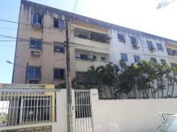 Alugo apartamento, 2 qts, salão de festa, prox da avenida