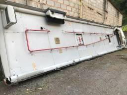 Teto de onibus inteiro medida 11 metros por 2,50 (bom pra fazer cobertura) 12x 97,00