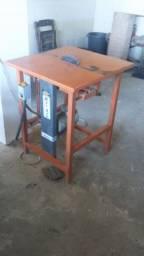 Máquina de Cortar Madeira