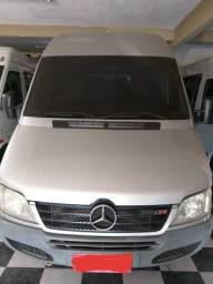 Vende-se Van Sprinter 2009, completa 19 lugares