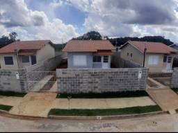Terreno + Casas de 2 qts sendo 1 suíte