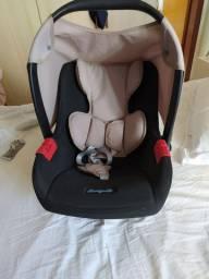 Bebê conforto bem conservado.