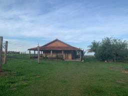 Chácara com 3.600 M² - Com excelente Casa - Á 27,5 KM do Shopping Ipê