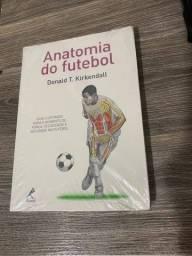 Título do anúncio: Livro Anatomia do Futebol - Donald T. Kirkendall