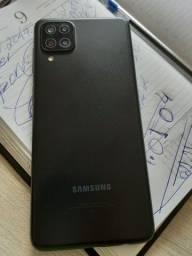Celular Samsung A12 com 64 gigas e 4 de Ram .