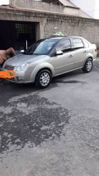 Ford Fiesta Sedan 1.6 flex 8V  Completo