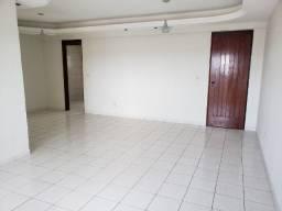 Alugo Apartamento com 120 metros e com 03 Quartos no Bairro do Mirante