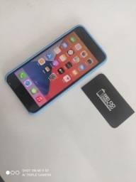 iPhone 8 plus 64gb preto - Aceito seu celular usado de entrada