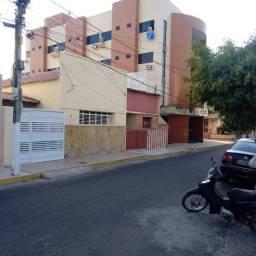 Vendo casa no centro de Sousa