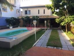 Casa 4/4 em Condomínio próximo a praia de Jauá.