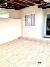 casa geminada com 02 quartos