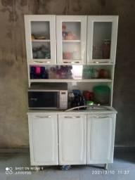Excelente armário de cozinha