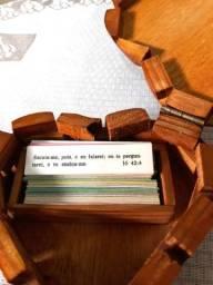 Porta Versículos Formato Coração em Madeira