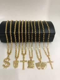 Correntes banhadas a ouro