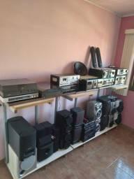 5 receiver e várias caixas de som