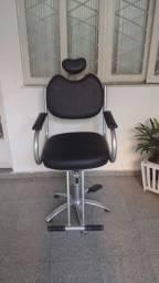 Título do anúncio: Cadeira cabeleireira profissional