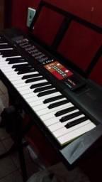 Título do anúncio: Vende esse teclado proficional novo psr51
