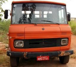 MBZ 608D 79/80 Carroceria de Ferro 4,5m