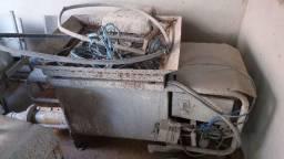 Máquina de reboco e peneira elétrica