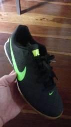 Vendo tênis Nike beco futsal nr 39