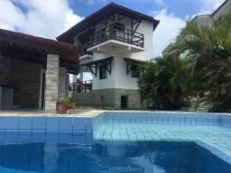 Bela casa de condomínio com vista magnifica e eterna para o mar