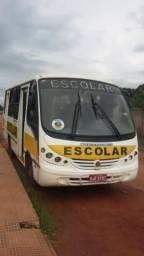 Micro ônibus escolar 04/05 motor MWM 4 cilindros - 2005