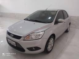 Ford focus sedan 2.0 flex duratec partida sem chave pneus novos todo revisado