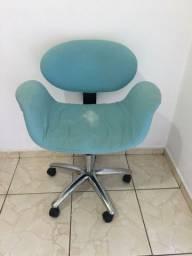 Cadeira giratória e hidráulica