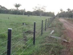 Faço cerca, mangueira, portões e casas de madeira