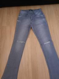 Calça jeans marca canal
