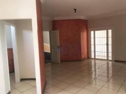 Apartamento com 3 suítes para alugar, 187 m² por R$ 2.650/mês - Centro - Barra do Garças/M